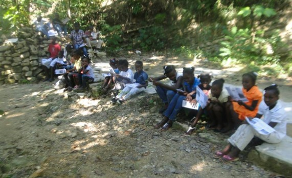 Opération : THOMAS. Pour votre anniversaire faites vous offrir un cadeau pour Haïti : UN ARBRE, pour les générations futures